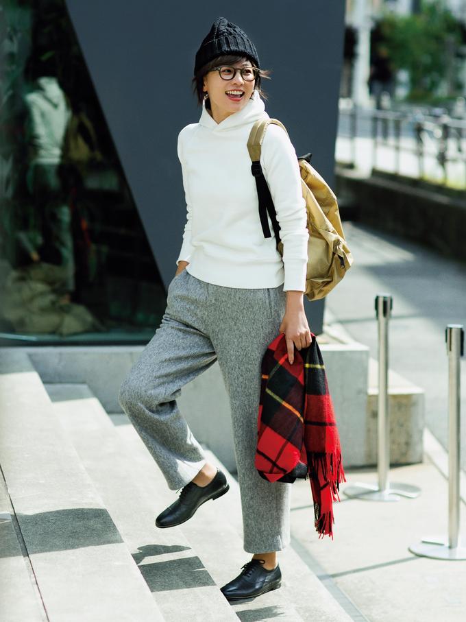 フラット靴×新ゆるパンツ で秋コーデをもっと女らしく!2-2
