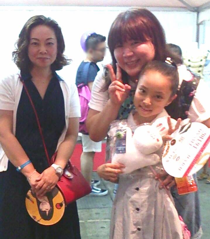 AKB48グループ総支配人の茅野しのぶさんとパチリ。