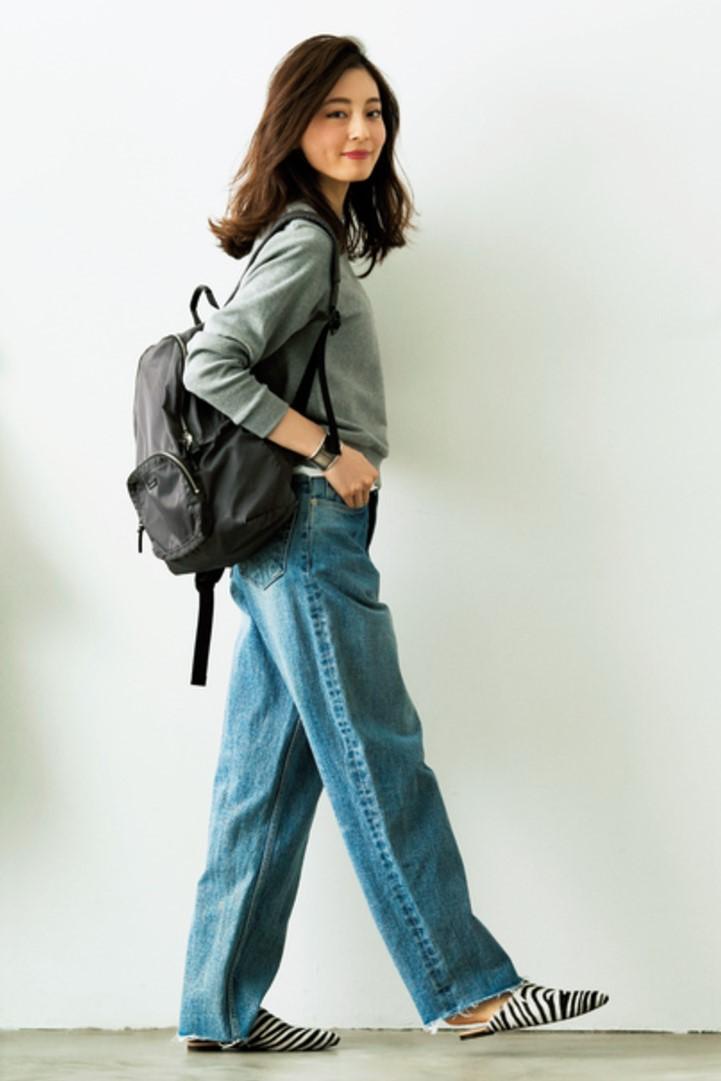 ハラコ素材のゼブラ靴が、デニムスタイルを一気に格上げ!