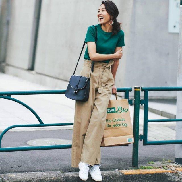 ユニクロUのTシャツは、Sサイズで女らしさと細見え度をUP