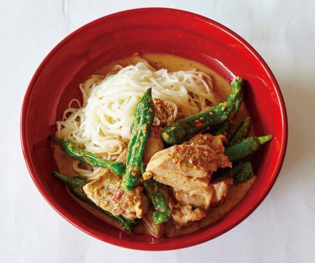 「鶏ももとししとうの豆板醤炒めそうめん」/ワタナベマキさん