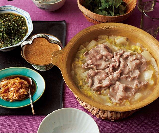 酸っぱい白菜がヘルシーな味わい ! 酸菜白肉鍋(サンツァイバイ