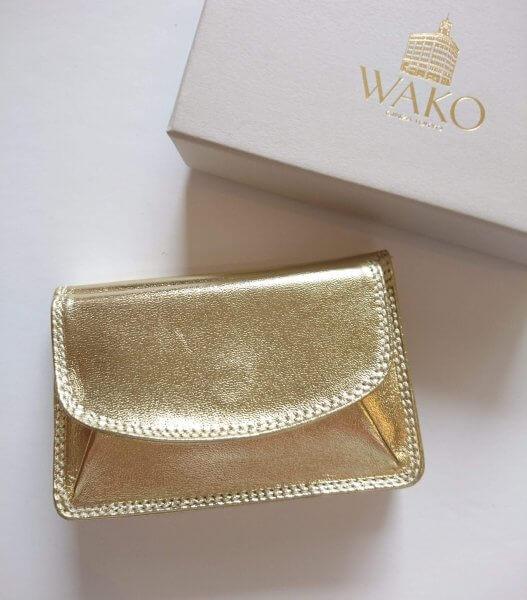1fd7aaa1a566 老舗百貨店の定番ミニ財布、ウタマロ用にダイソーでケースを購入…100人隊の注目4記事