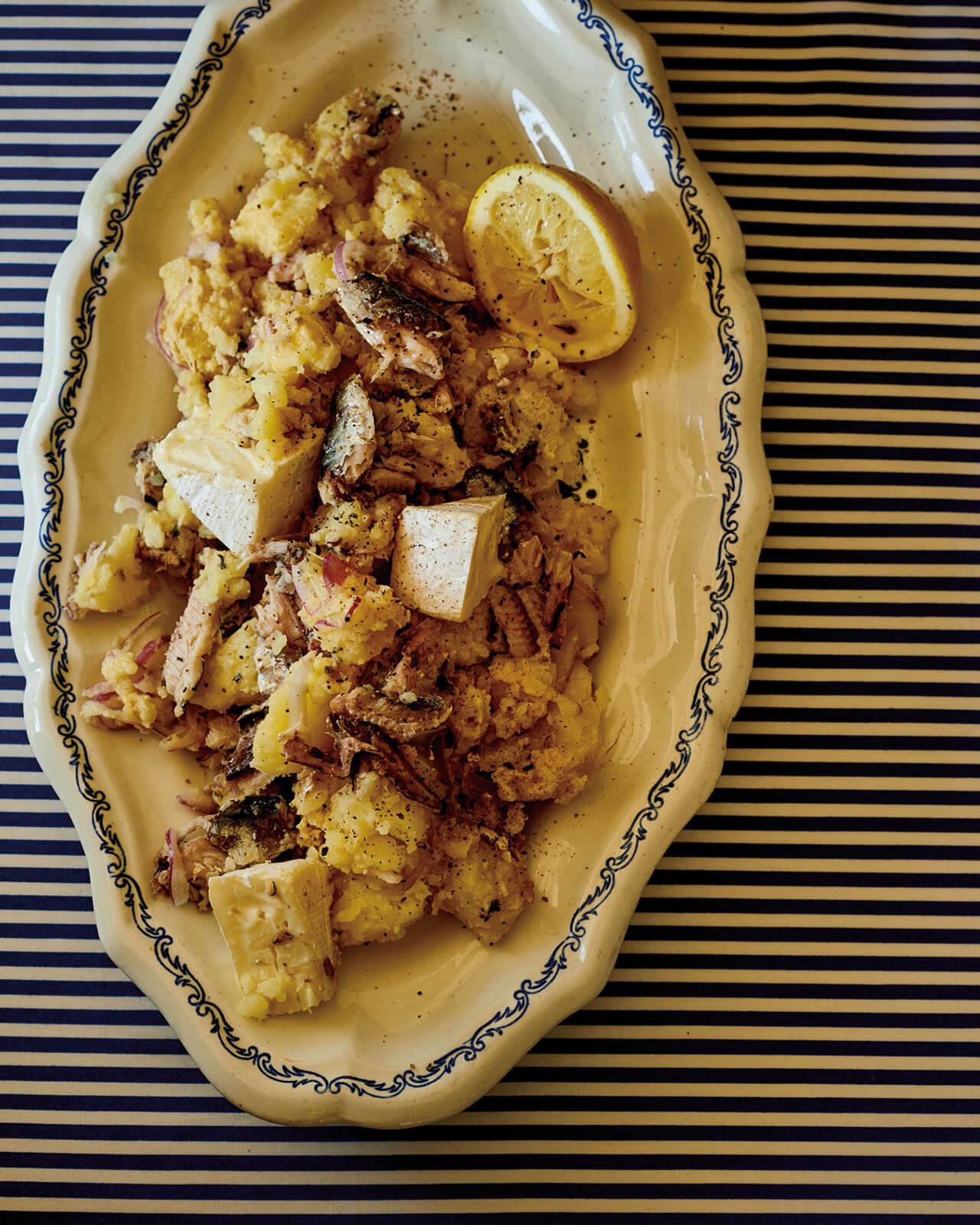 「オイルサーディンのカマンベールポテトサラダ」レシピ/ワタナベマキさん