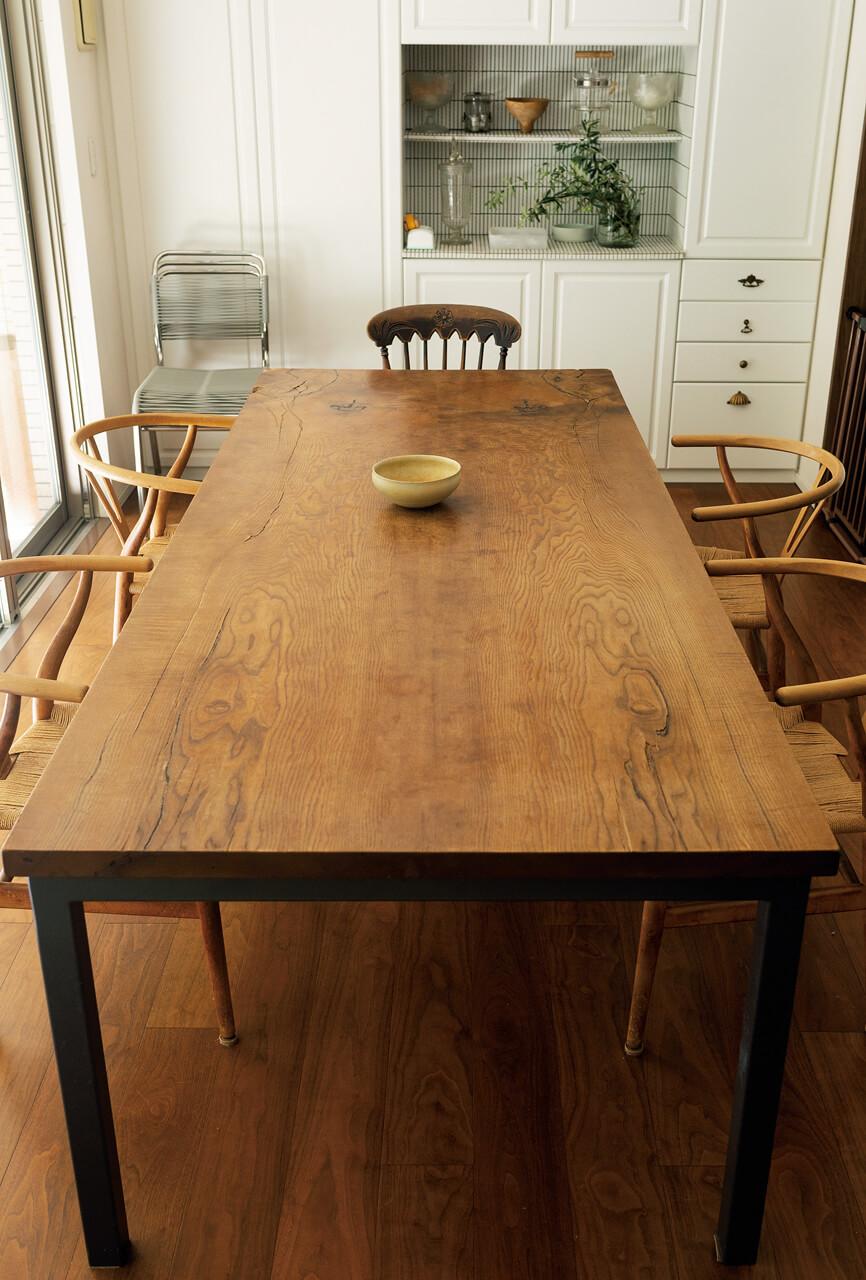 最大10名座れる大テーブル