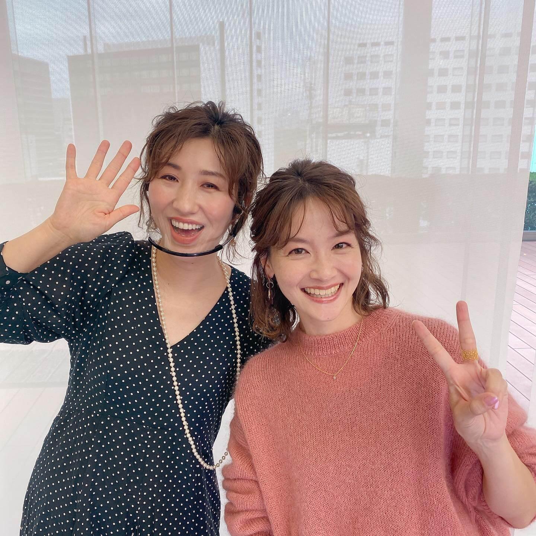 LEE100人隊&LEEキャラクターのオンラインパーティでは、長井かおりさんのヘアメイクレッスンのモデルを体験。