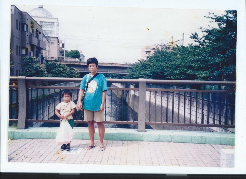 穂子さんと幼少期の加納さんのお写真