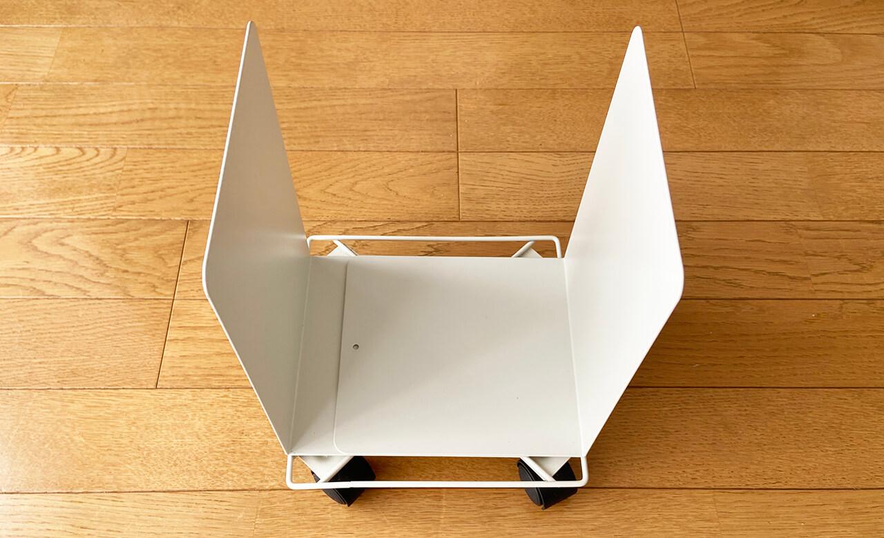 【無印良品】スチール仕切板 大(290円)×2個 幅16×奥行15×高さ21cm 【ダイソー】角形花台キャスター付き(200円)白・19cmのものを使用 ※ダイソーの200円アイテムです。