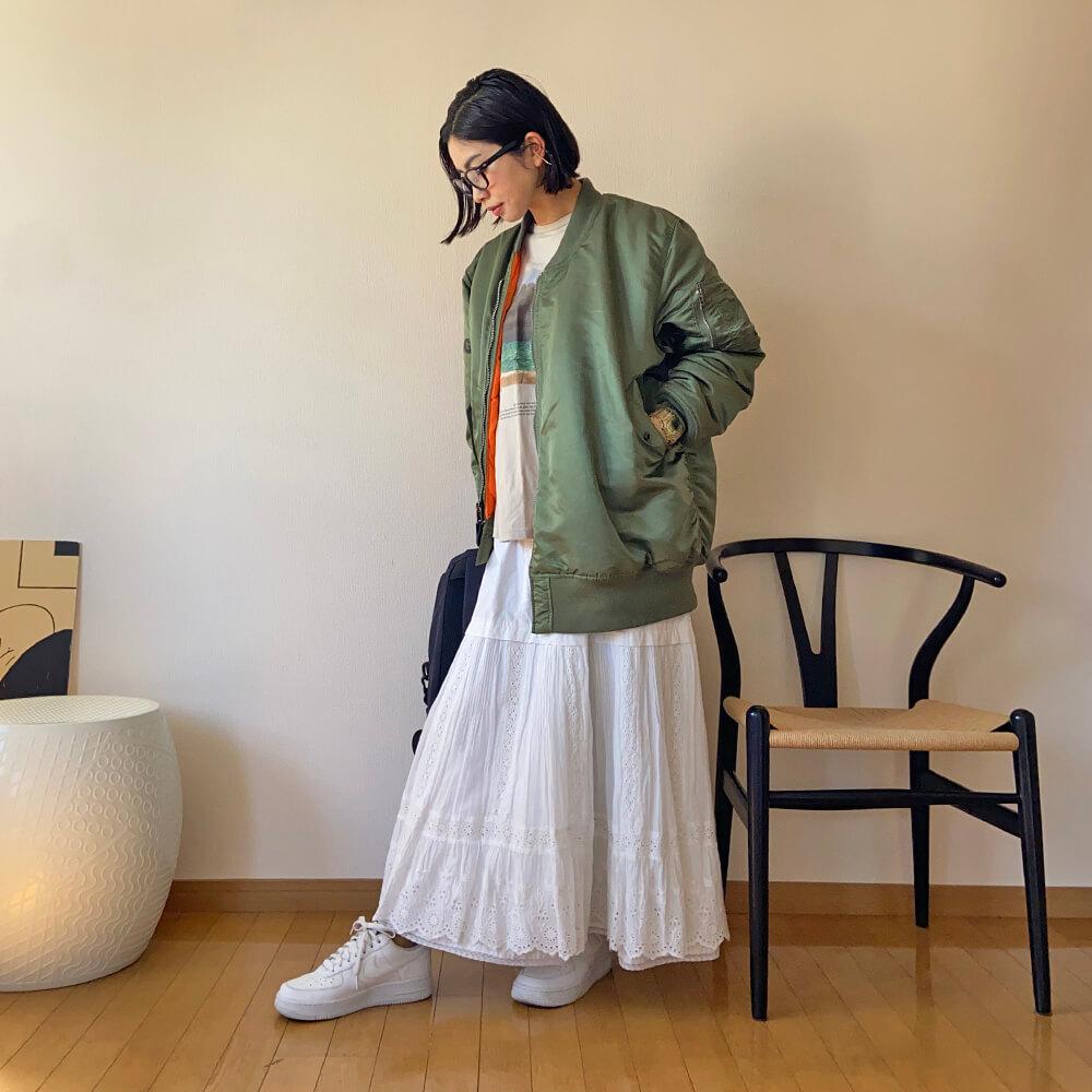 高木綾子/スニーカー/エアフォース1 ジャケット/CDG Tシャツ/ジェーンスミス×プラージュ スカート/シンゾーン