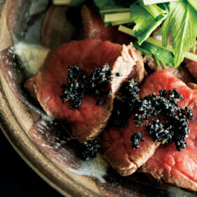 アイキャッチ画像:「ローストビーフ味変ワザ3種」レシピ/ワタナベマキさん