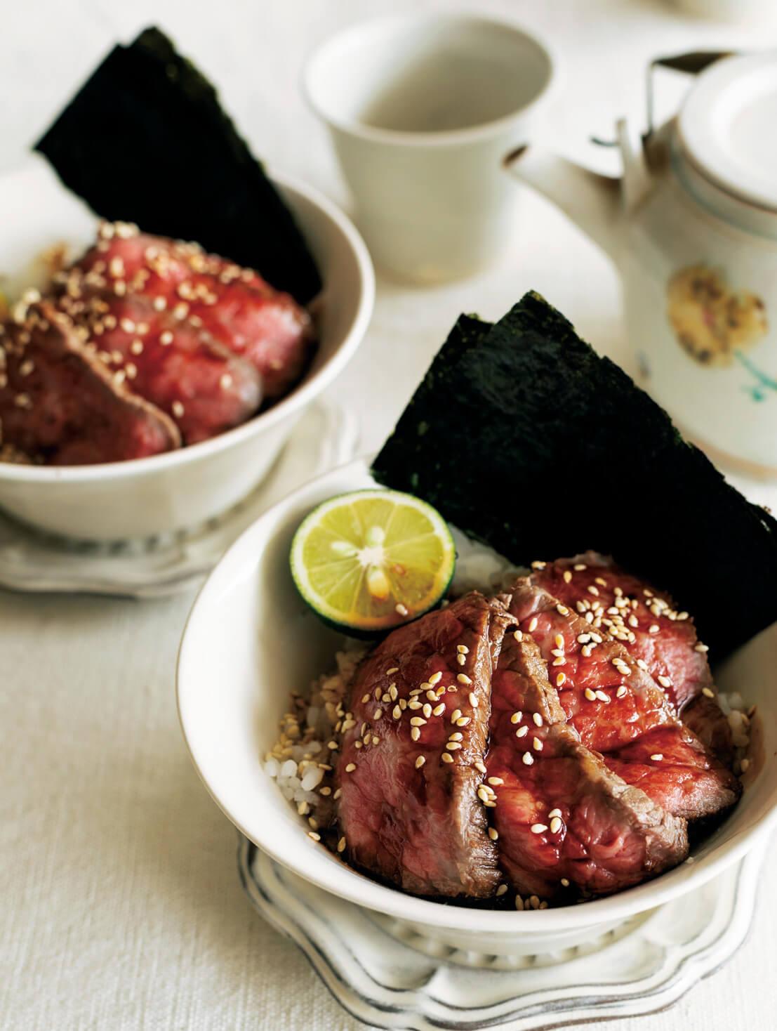 「ローストビーフの小どんぶり」レシピ/ワタナベマキさん