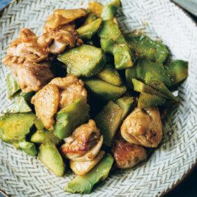「ブロッコリーの茎と鶏肉のオイスター炒め」レシピ/川上ミホさん