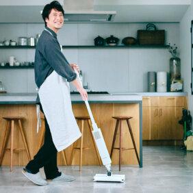 コウケンテツさんが感動!バルミューダ ザ・クリーナーで掃除が「好きな家事」になった