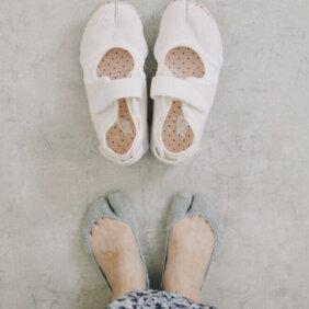 靴下屋の足袋ソックスが「ナイキ エア リフト」にぴったり!【おしゃれ上手の愛用品拝見】