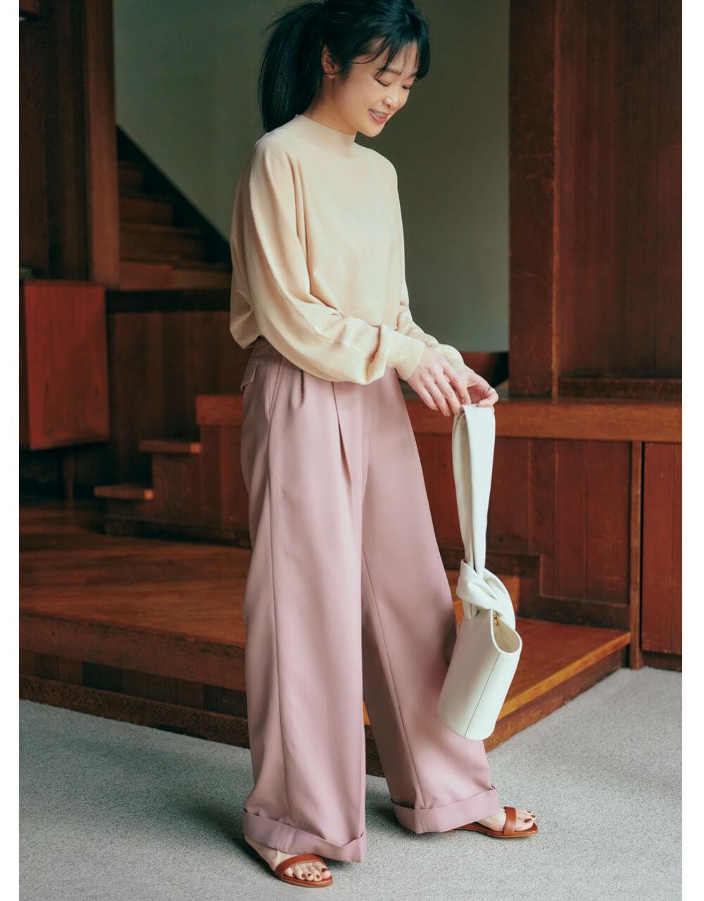 吉村友希さん ソーノの ピンクのワイドパンツ