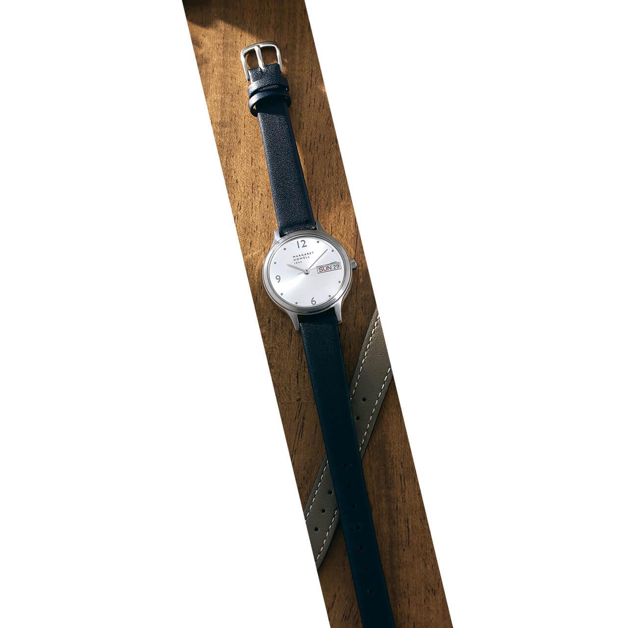 時計(SS×レザー、30mm)¥34100/マーガレット・ハウエル(マーガレット・ハウエル)