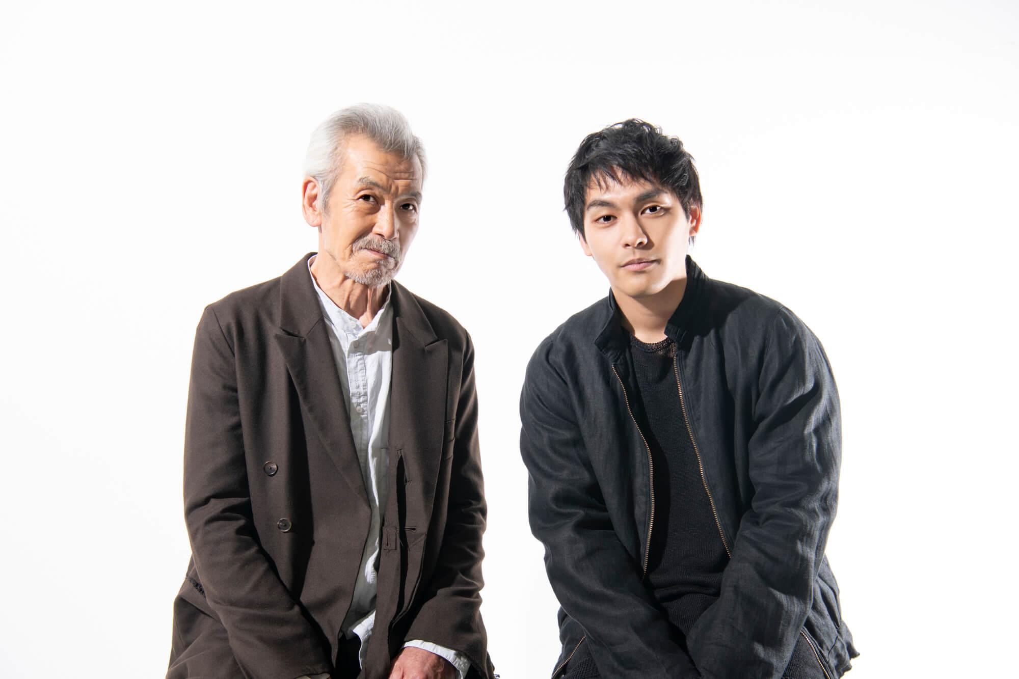 (右)柳楽優弥 (左)田中泯