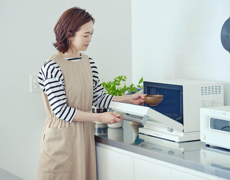 Emiさんも「自宅に欲しい!」と思っているのが、トースターでもおなじみのBALMUDAのオーブンレンジ「BALMUDA The Range」