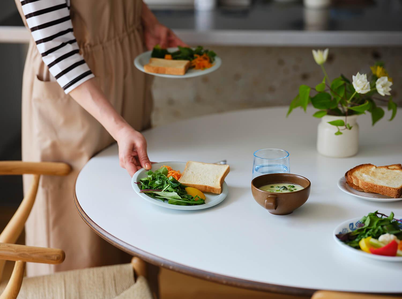 家族みんなでテーブルを囲める朝食は大切な時間ですね(Emiさん)