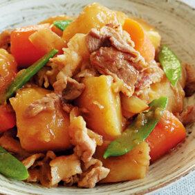 アイキャッチ画像:フライパンで「肉じゃが」レシピ/小林まさみさん