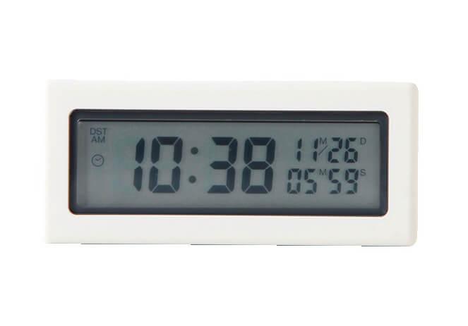 デジタルタイマー時計 ホワイト(縦3.6×横20×奥行8㎝)¥1990/無印良品 銀座