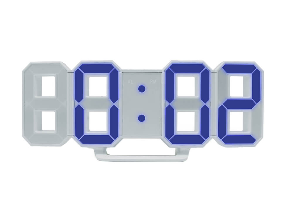 Tri Clock(縦8.7×横21.5×奥行3.9㎝)¥3850/MoMAデザインストア 表参道