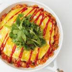 アイキャッチ画像:フライパンひとつで「焼きオムライス」レシピ/きじまりゅうたさん