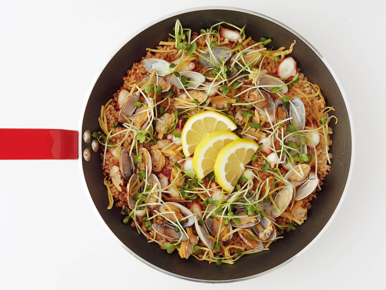 フライパンひとつで「和風海鮮パエリア」レシピ/きじまりゅうたさん