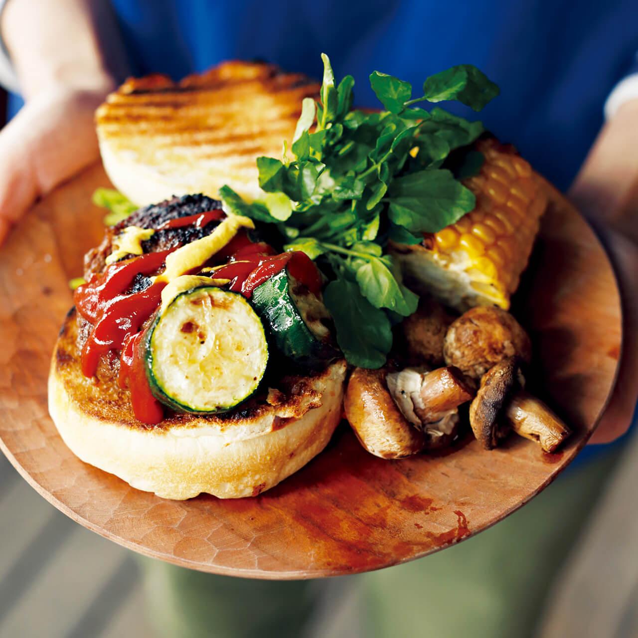 「100%牛肉ハンバーグ」レシピ/ワタナベマキさん