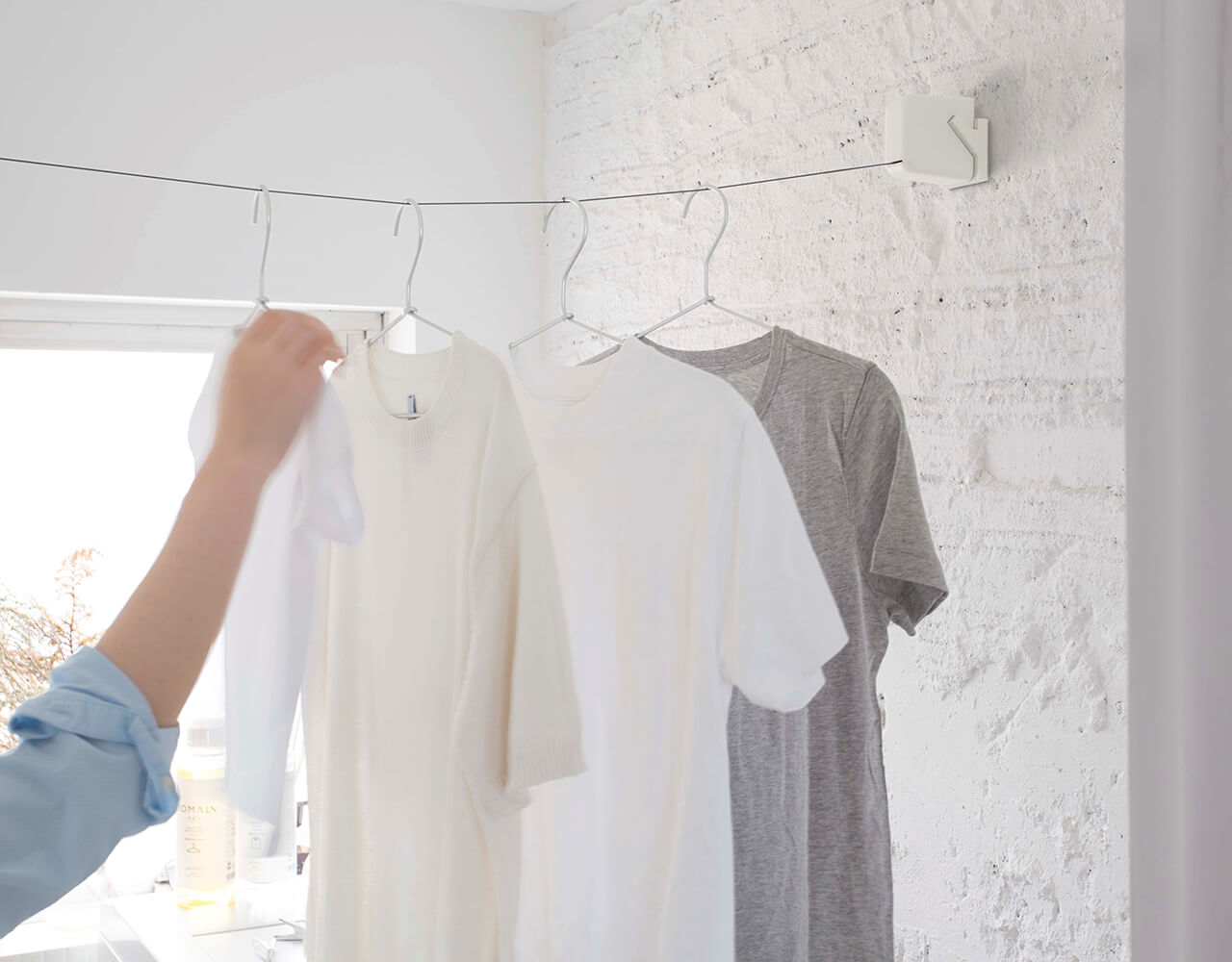 STOK laundry 室内物干しロープ¥5280/森田アルミ工業