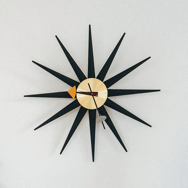 ヴィトラ サンバースト クロック ブラック(直径47㎝)¥47300/ヴィトラ