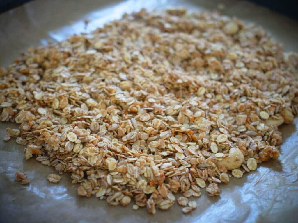 【レシピ紹介】秋の朝食に!「ざくざく木の実のグラノーラ」を作りました!【お菓子研究家・八田真樹さん発】