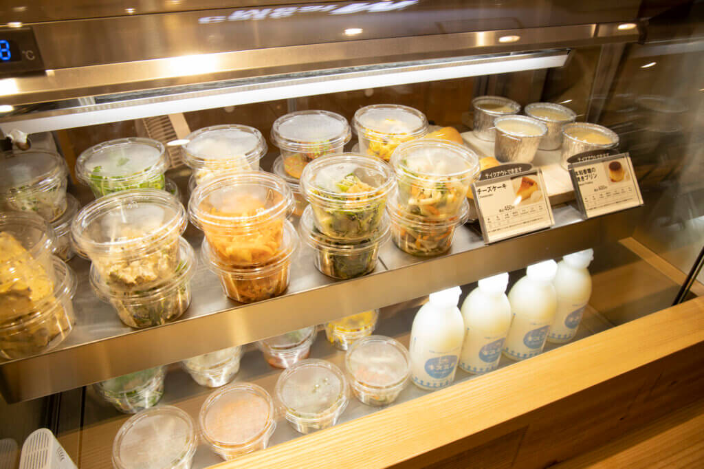 こちらは「Café&Meal MUJI」で購入できる、デリやスイーツ。これまではお店でしか食べられなかった、人気のおかずが家でも楽しめるのがうれしい♡