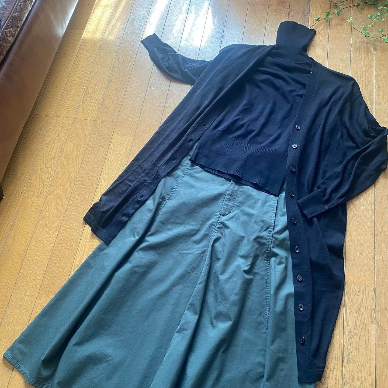 写真:秋冬もUNIQLO Uのカーデにワンピを合わせて1.2コーデ