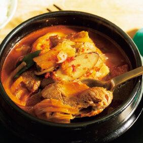 「牛カルビとごぼうのキムチスープ」レシピ/コウケンテツさん