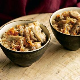 メイン食材3つで簡単おいしい!「たたきごぼうの鶏五目風ごはん」レシピ/ぐっち夫婦