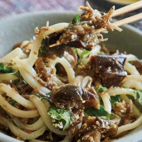 「なす、じゃこ、青じその甘辛炒めのっけ麺」レシピ/ワタナベマキさん