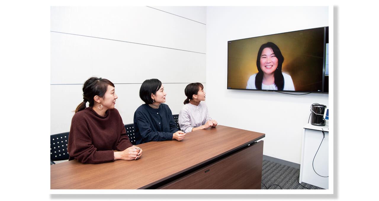 松村さんが活動の拠点にしているニューヨークと、LEE編集部をオンラインでつないで座談会を開催しました。